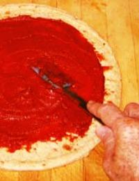 PizzaAndTomatoPaste2